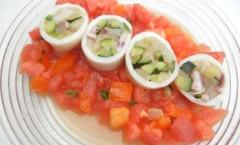 野菜詰めイカサラダ